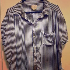 AEO Short Sleeve Button Up Blouse XL